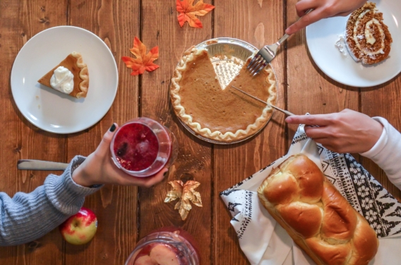 Top 10 Thanksgiving Traditions In The Us Ef Academy Blog