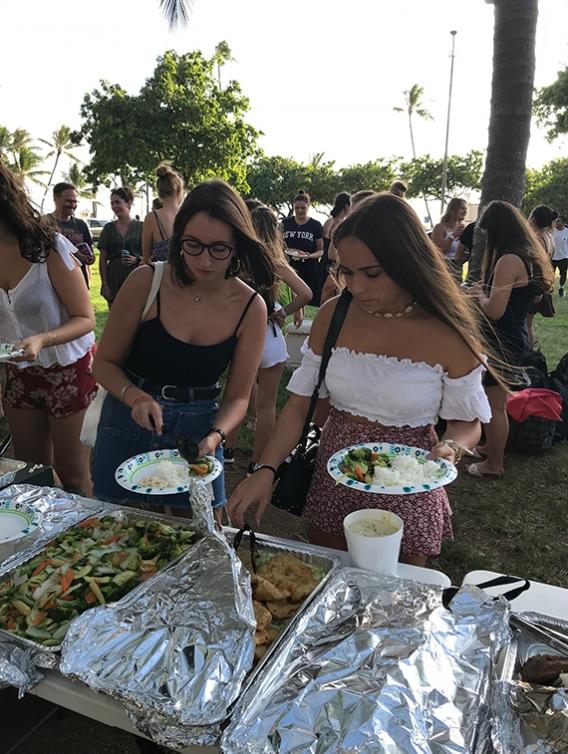 EF Honolulu samples different food cultures